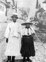 Nyári munkanapi öltözet (Körösfő, v. Kolozs m.)