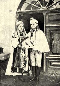 Magyar menyasszony és vőlegény. Torockó. Torda-Aranyos m.